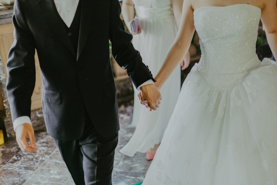 Save On Your Wedding Without Sacrificing Its Magic